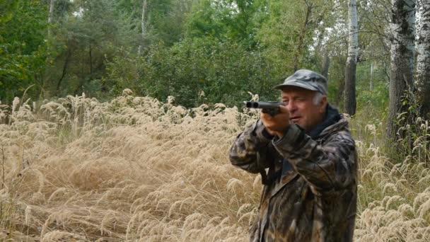 A fűben vadász