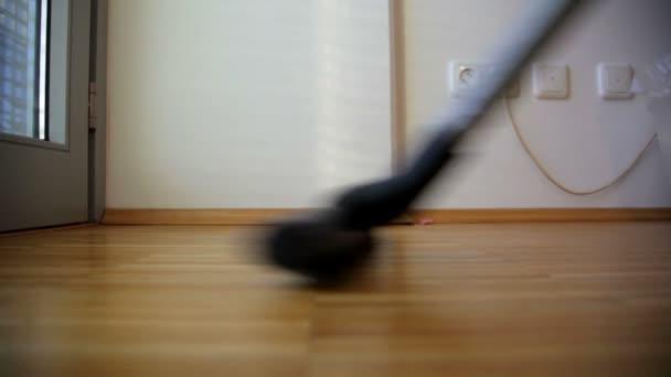 vysávání koberců a parketové podlahy