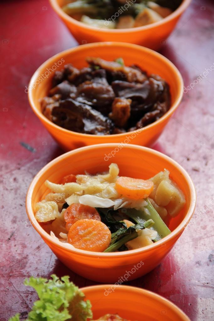 traditionelle chinesische Küche — Stockfoto © PepscoStudio #81533328