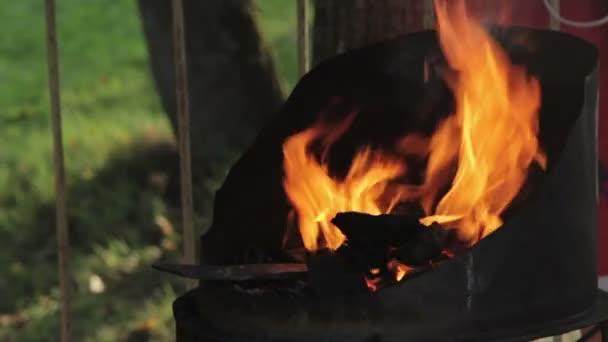 Smeden van brand in smeden waar ijzeren gereedschap zijn
