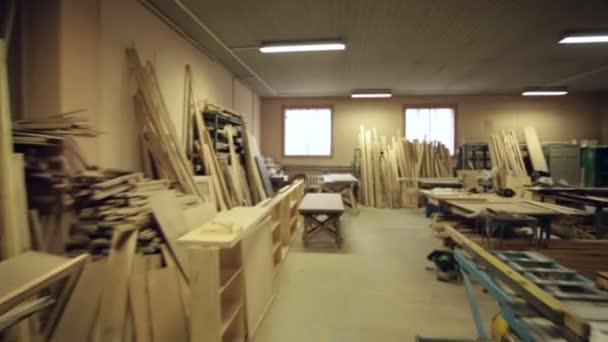 dřevěné tesařské nástroje