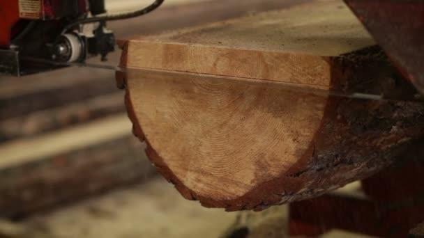 dřevěné prkénko stroj