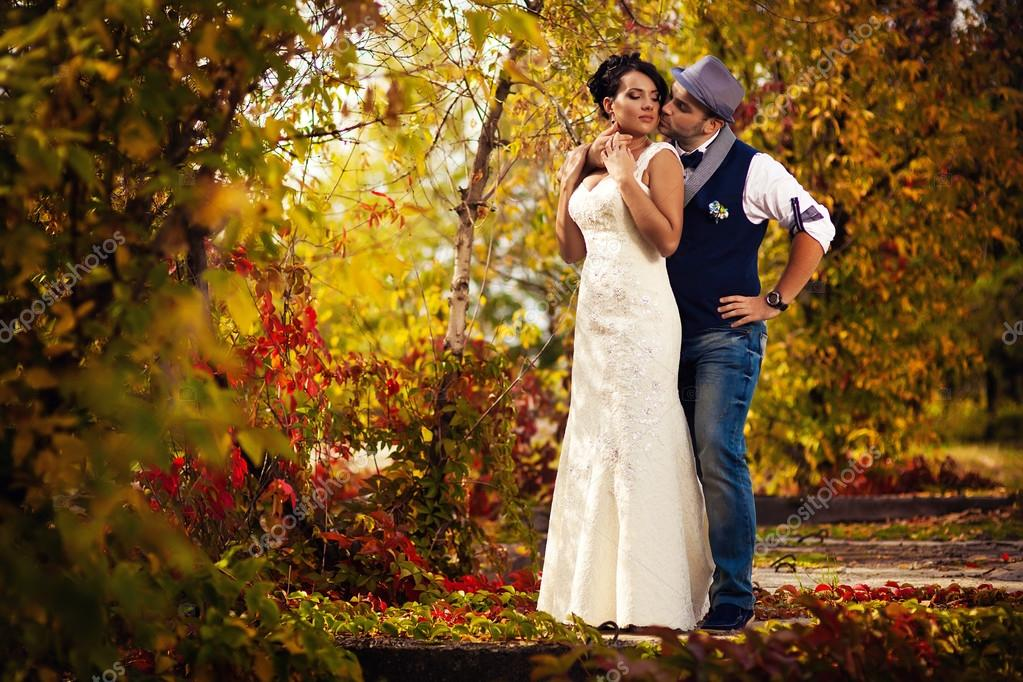 Hut Hochzeit Kuss Stockfoto C Lobodaphoto 70382489