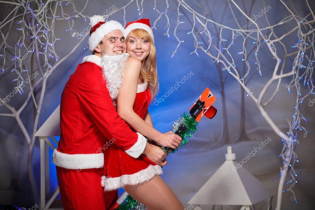 Дед мороз и сексуальные снегурочки