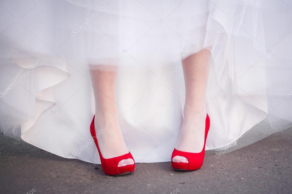 röda skor bröllop