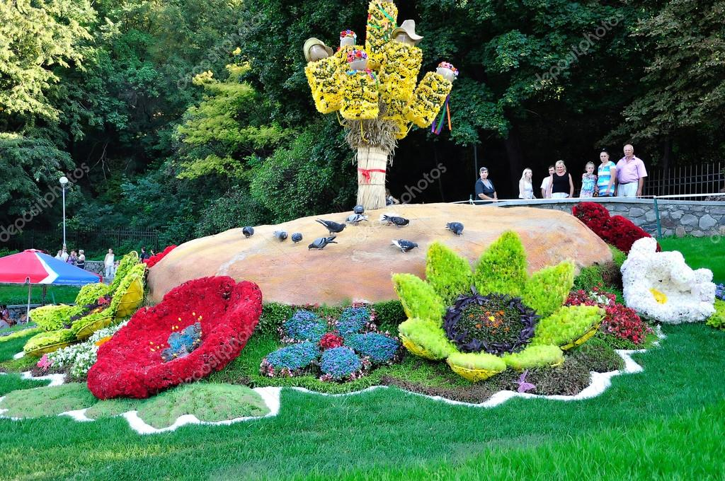 flower arrangement and doves