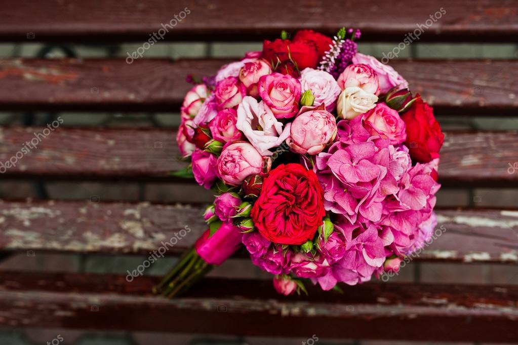 Hochzeitsstrauss Rose Und Pfingstrosen David Austin Hintergrund Holz