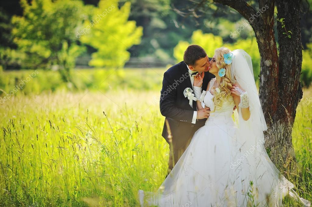 Поздравления невесте с днем свадьбы красивые трогательные