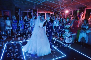 First wedding dance on bubbles