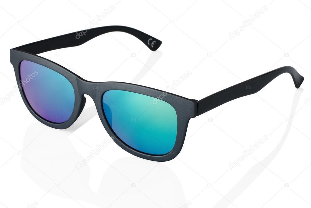 Coola solglasögon på vit bakgrund i svart ram. På nära håll– stockbild 76d44d1ca2144
