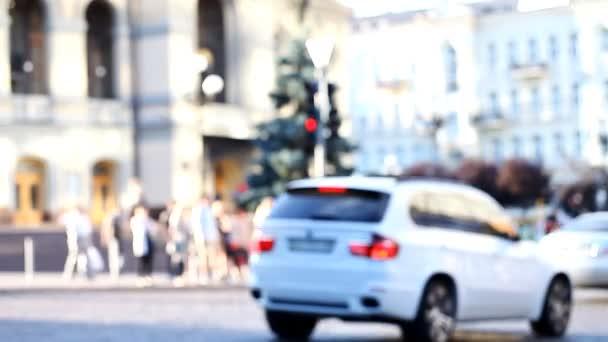 city, traffic, cars, pedestrians, blurred
