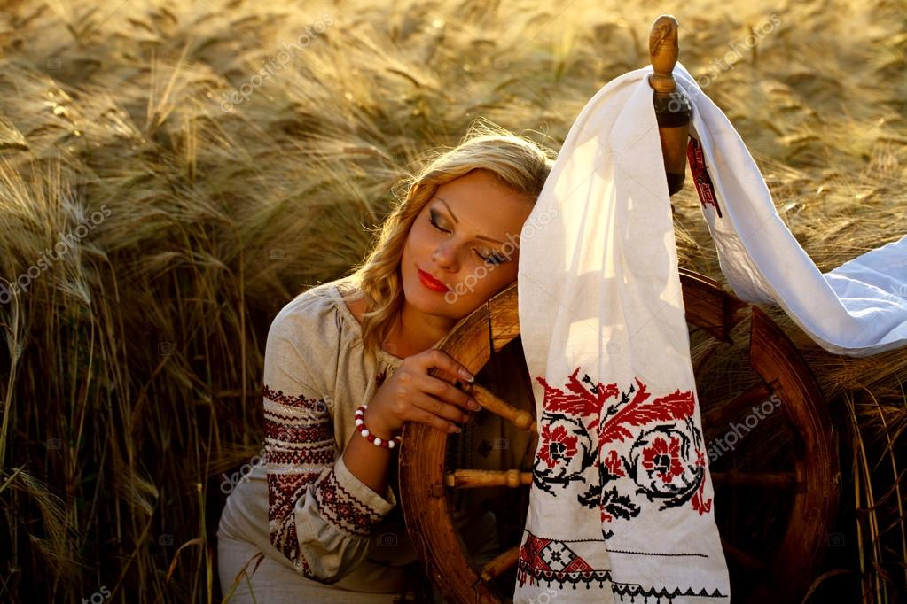 молодая украинская девушка