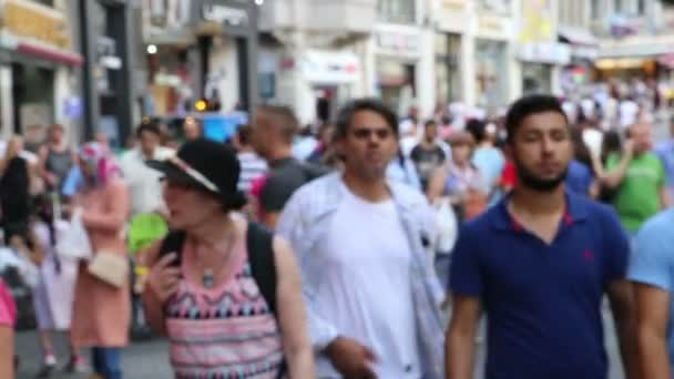 Crowd walking in istanbul