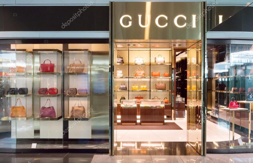 ddaaaaf26d11a Loja da Gucci no aeroporto de Munique — Fotografia de Stock ...