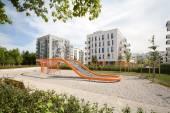 Fotografie Moderne ökologische Wohnungen in der Stadt