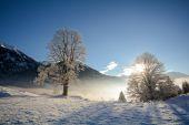 Fotografie Eine Winterlandschaft mit Gebirge, Gasteinertal-Tal in der Nähe von Bad Gastein, Pongau Alpen anzeigen