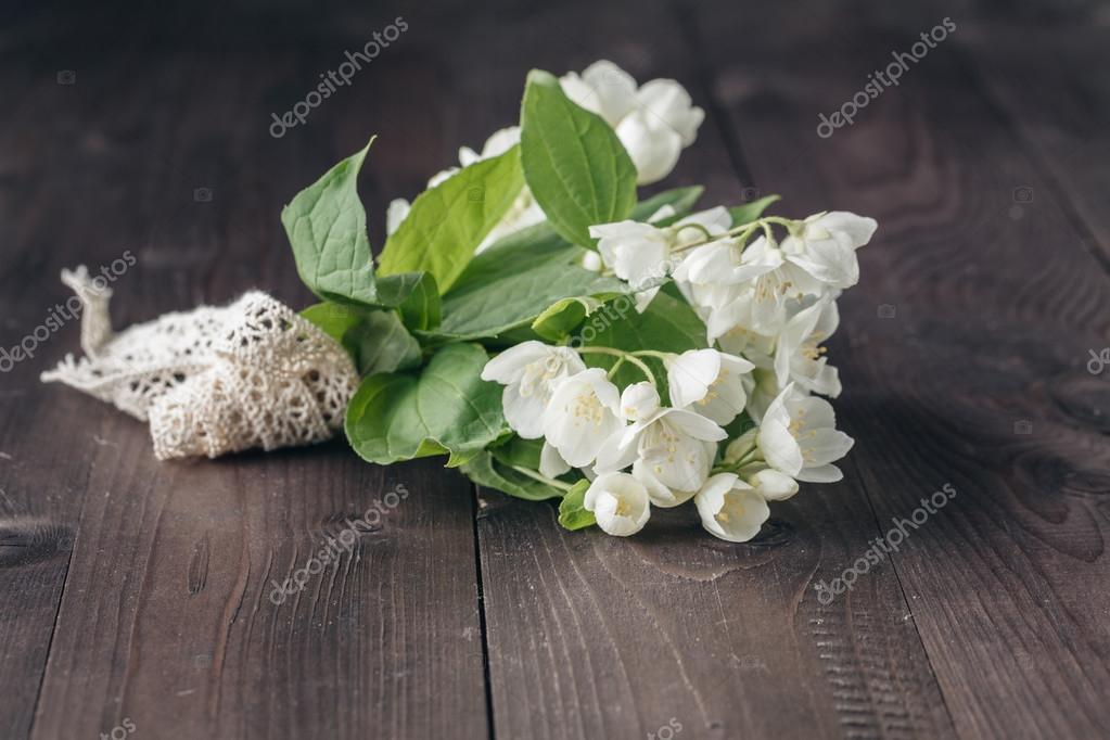 small bouquet of white flowers — Stock Photo © AndreyCherkasov ...