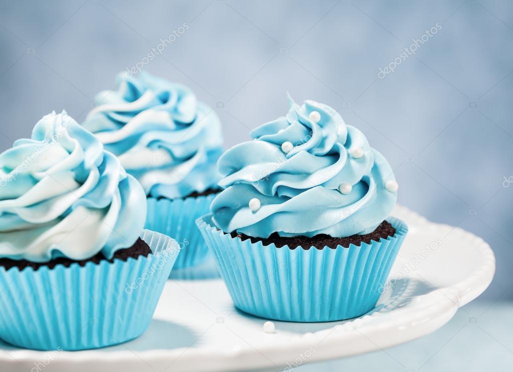 Aniversario Azul Cupcakes Stock Photo C Juliannafunk 70954873
