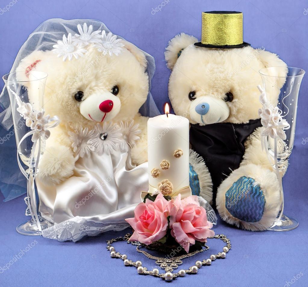 77c1c38c12bc62 Wesele ustawienie: ręcznie chłopiec i dziewczynka misie, biały i złoty  świeca, Puchary weselne