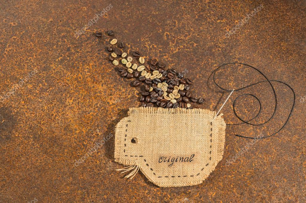 Eine Tasse in Jute genäht mit Nadel und Draht Bohnen voll Kaffee ...