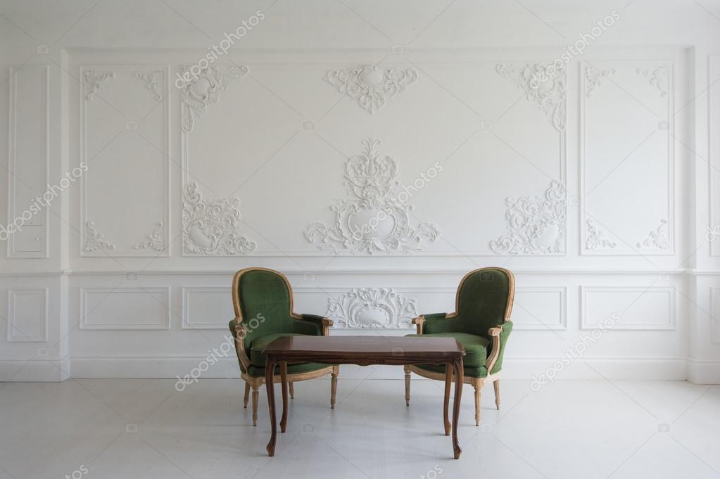Wohnung Innenraum   Classic Vintage Stil Möbel Set Im Hellen Loft.  Wohnzimmer Im