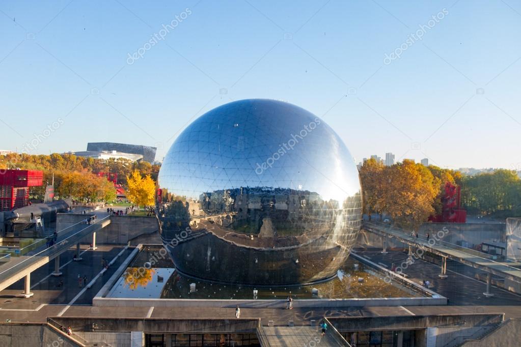 la geode un domo geodésico acabado espejo foto de stock