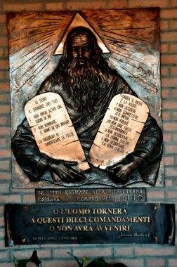 Ten Commandments of God