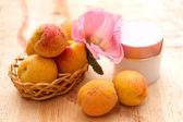 Organická kosmetika založena na ovoce a květin extrakty