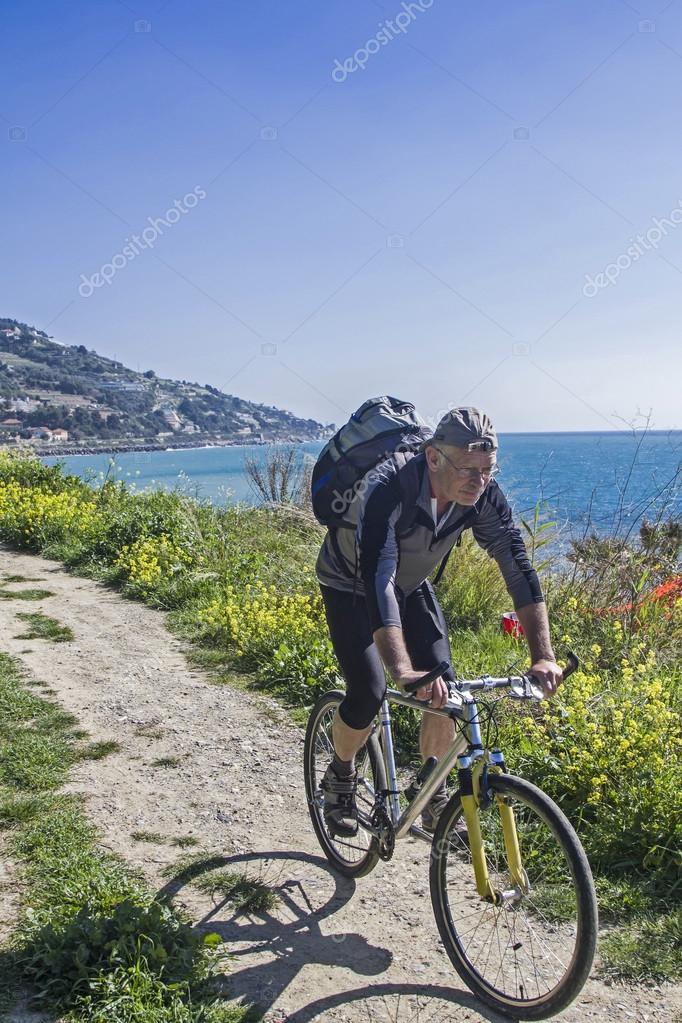 Pista ciclabile parco costiero