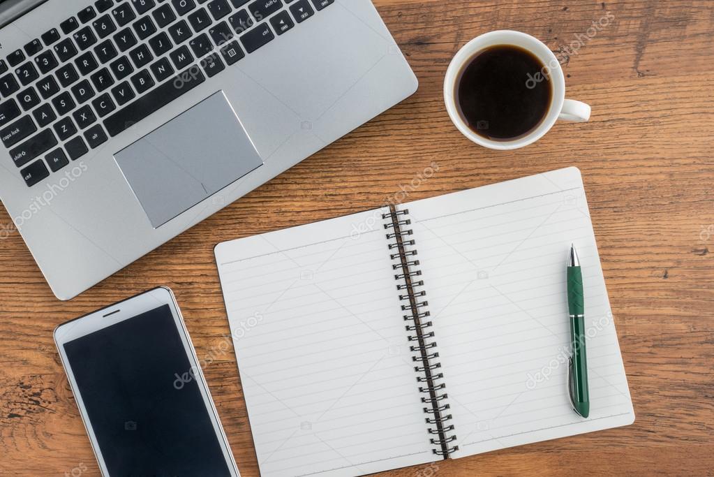 Laptop notebook tablet y caf en la mesa de trabajo fotos de stock primagefactory 81586626 - Top office ordinateur portable ...