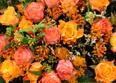 Mixed boquet with autumn colored roses