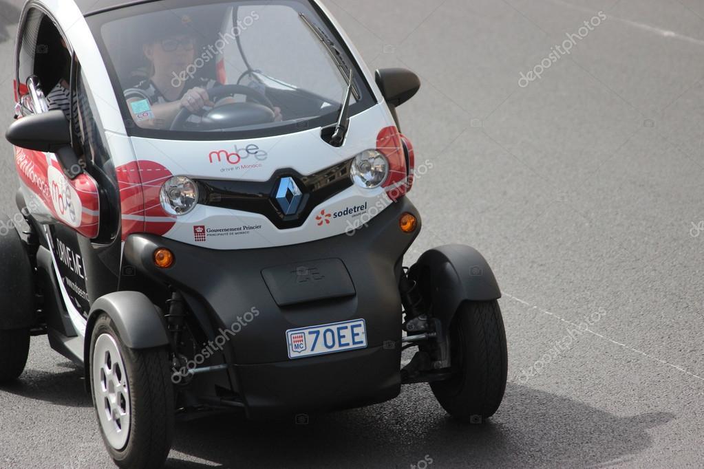 elektrische auto renault twizy in monte carlo monaco. Black Bedroom Furniture Sets. Home Design Ideas