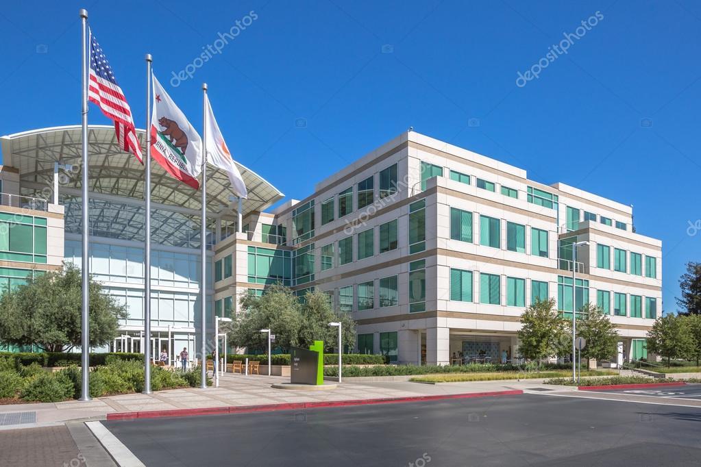 Apple HQ Cupertino – Stock Editorial Photo © bennymarty