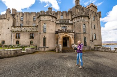 Smiling woman at Dunvegan Castle