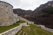 Fotografie Středověké opevněné budovy v Travniku 03
