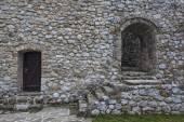 Fotografie Středověké opevněné budovy v Travniku 11