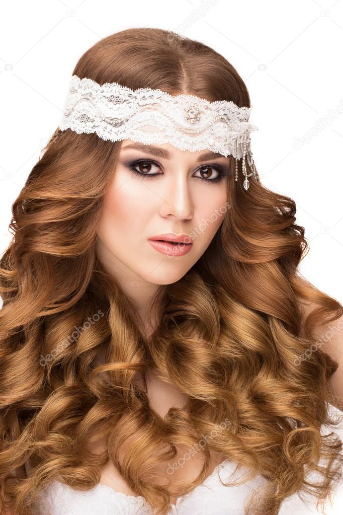 Schonheit Portrat Schones Madchen Mit Langen Lockigen Haaren