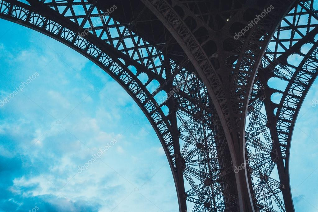 Engineering design of the Eiffel Tower, Paris — Stock Photo © terroa