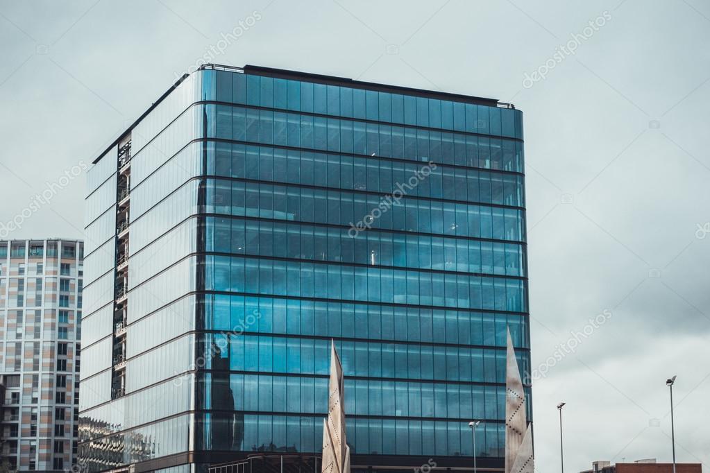 Immeuble de bureaux très modernes u photographie terroa