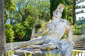 Photo front sculpture of the dying achilles in achilleion corfu