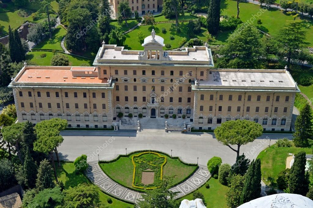 Tuinen Van Het Vaticaan.Historische Gebouw In De Tuinen Van Het Vaticaan Stockfoto