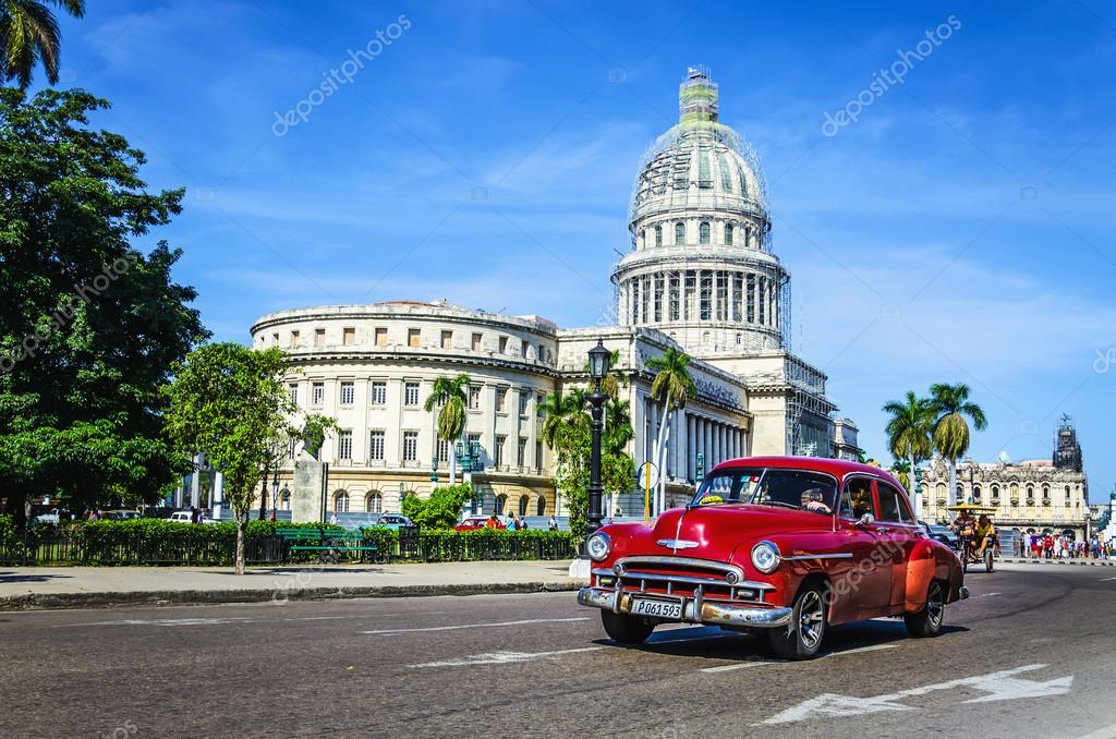 car rides in front of the Capitol – Stock Editorial Photo ...