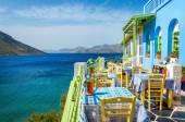 Fotografie typisch griechisches Restaurant auf dem Balkon