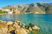 ruhige Aussicht auf gemütliche griechische Meeresbucht, Griechenland