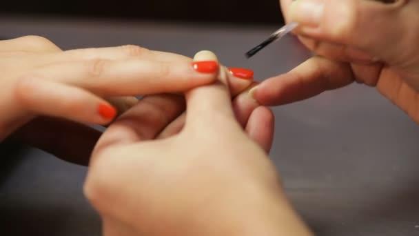 Dámské manikúra, nehty