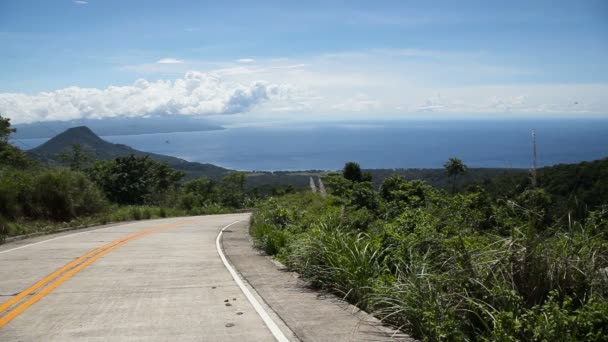 Pohled z hor k moři a ostrovy