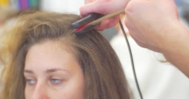 Strand Close Up stylista kadeřník je dělat účes Smal kadeřavé vlasy objem o vlasy žehlička Iron pro ženy s dlouhé vlasy Beauty Salon
