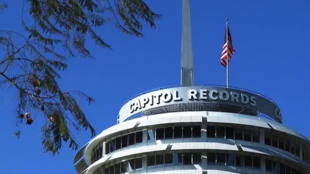 Slavný Capitol Records stavbou světa