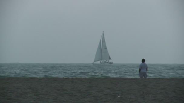 férfi órák egy hajón, vitorlás