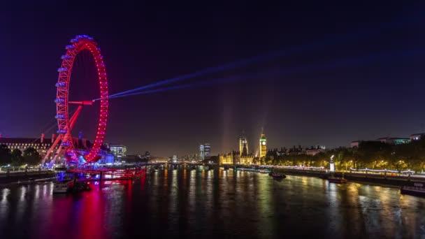 Londýn za soumraku. Londýnské oko, Westminster Bridge, Big Benu a budov parlamentu. Londýn, Velká Británie. Listopadu, 2012